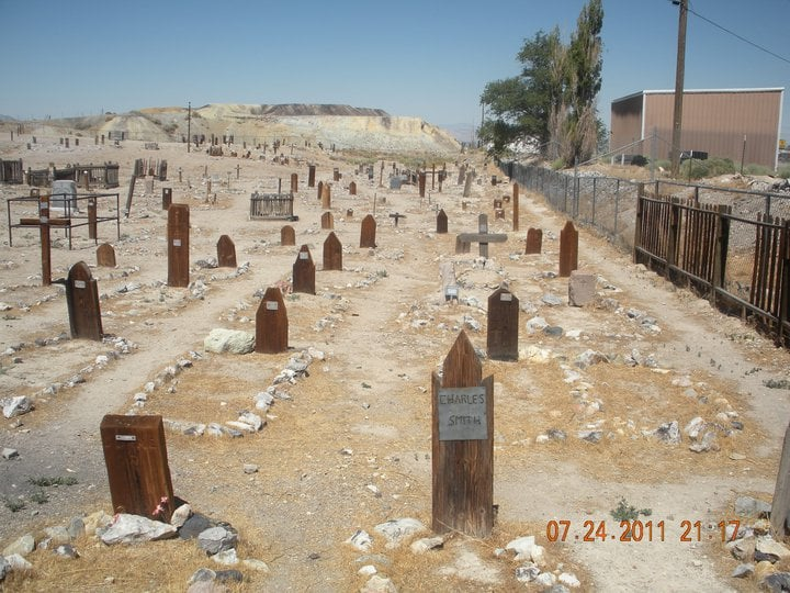 El cementerio de Tonopah está situado a pocos metros del Motel / Nevada